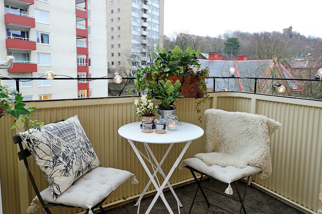 светъл двустаен апартамент в скандинавски стил_12