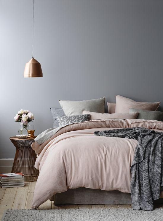 спалня в розово и сиво