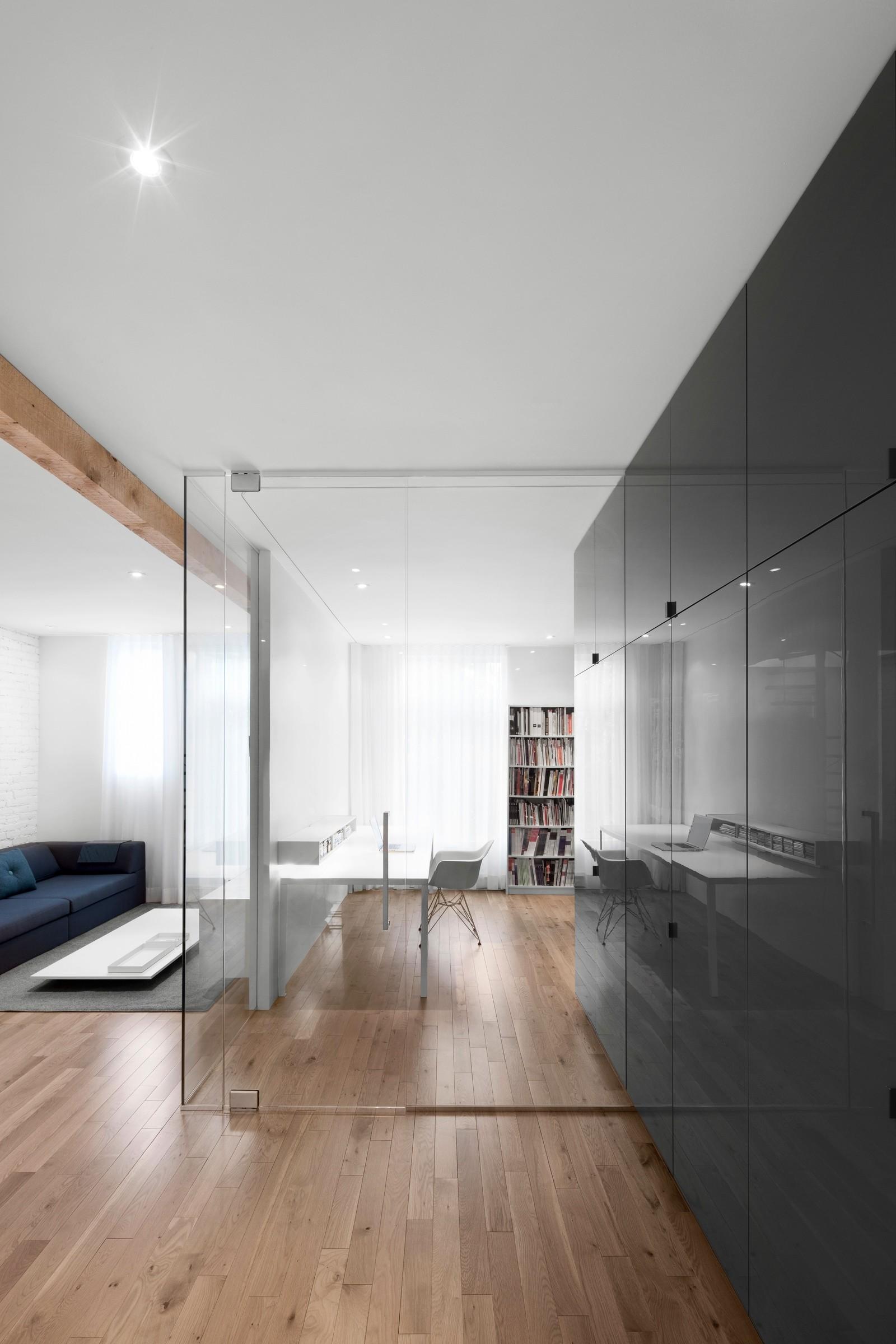 съвременно жилище с тухлени стени_7