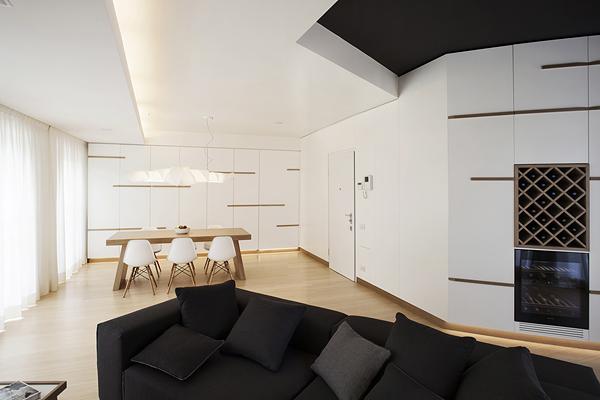 бяло и дърво_елегантен апартамент в Италия_2