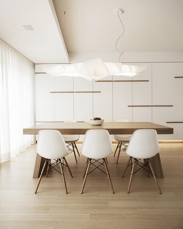 бяло и дърво_елегантен апартамент в Италия_4