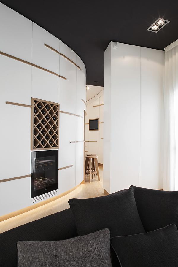 бяло и дърво_елегантен апартамент в Италия_8