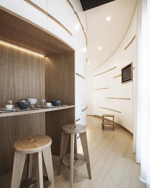 бяло и дърво_елегантен апартамент в Италия_9