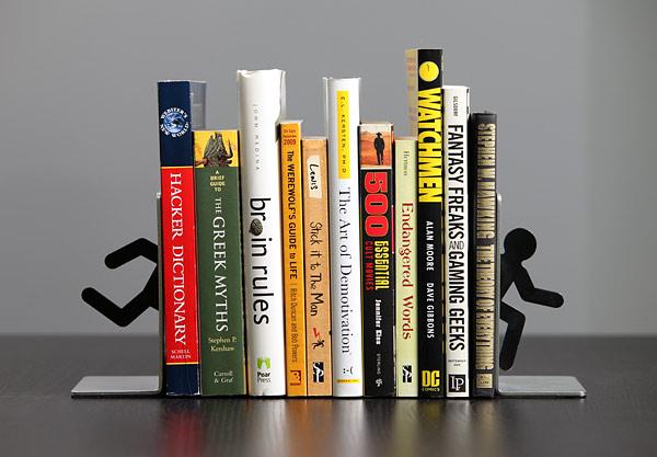 държач за книги - тичащо човече