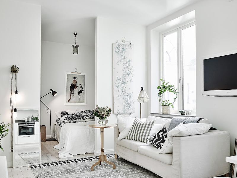 скандинавско студио със светъл интериор_4