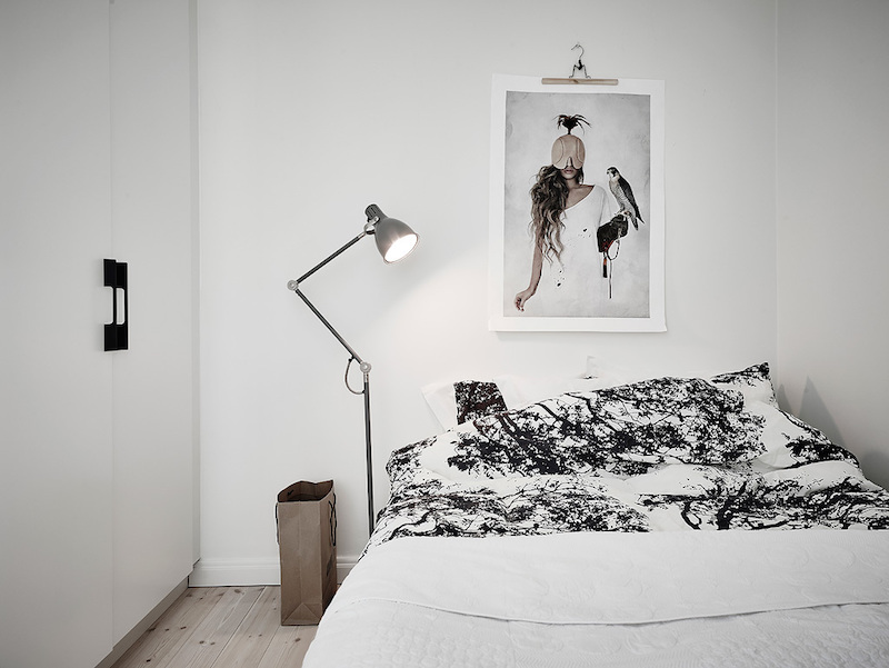скандинавско студио със светъл интериор_6