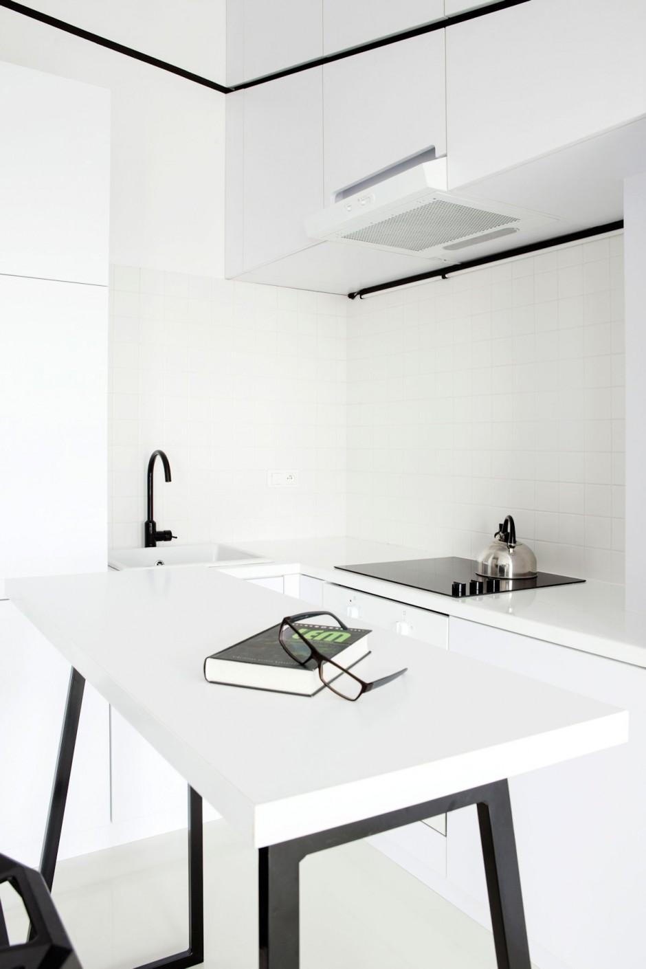 черно бял интериор в 26 кв. м жилище_9