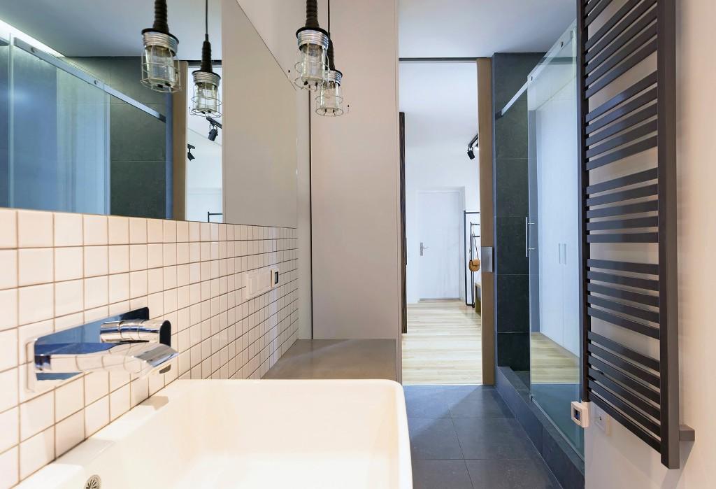 56 кв. м апартамент прави чудеса с площта си_13