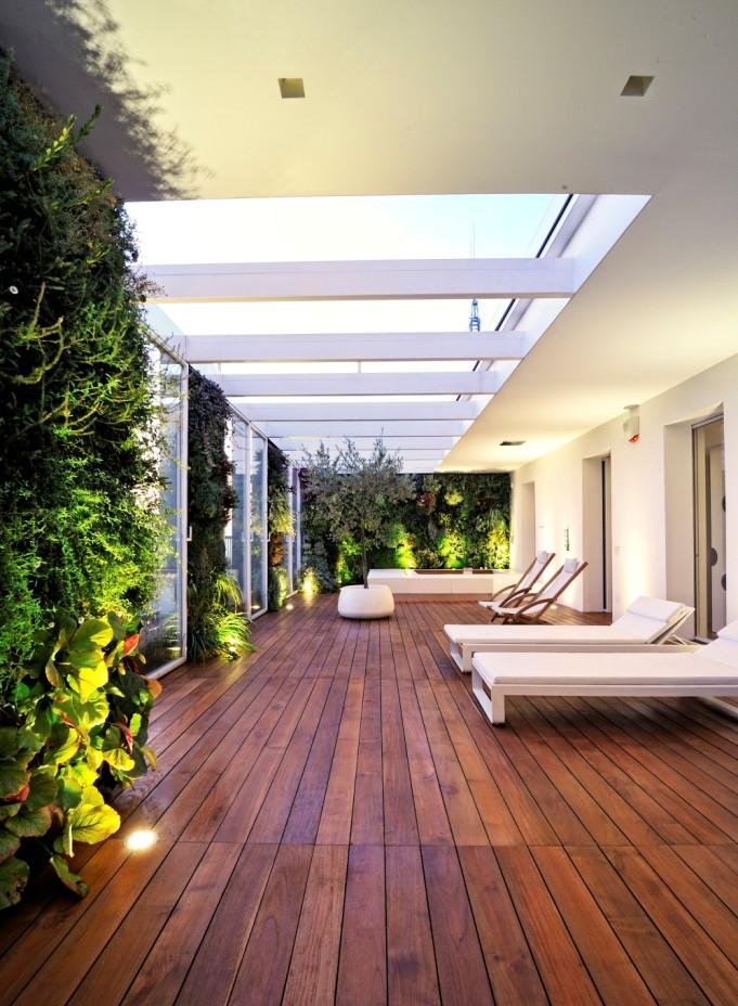 вертикални градини и джакузи на терасата_18