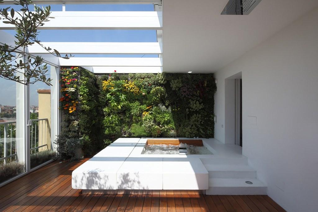 вертикални градини и джакузи на терасата_7