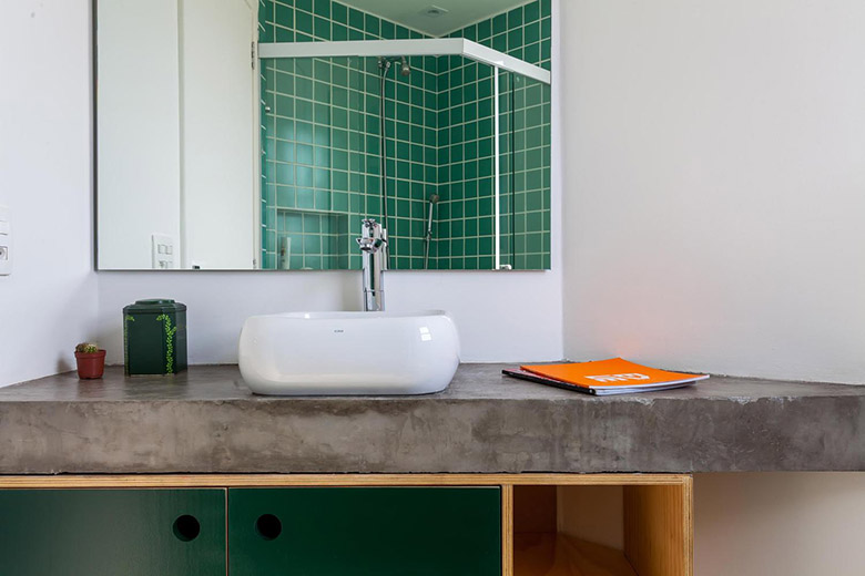 всякакви материали - жилище в индустриален стил_баня
