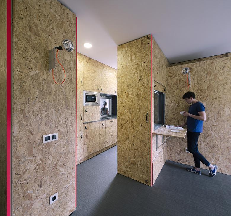 гъвкав дизайн за малък апартамент от шперплат_1