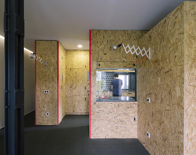 гъвкав дизайн за малък апартамент от шперплат_7