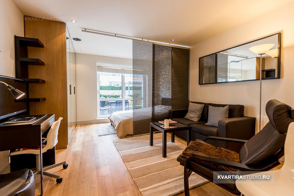 малък апартамент разделен с щори_4