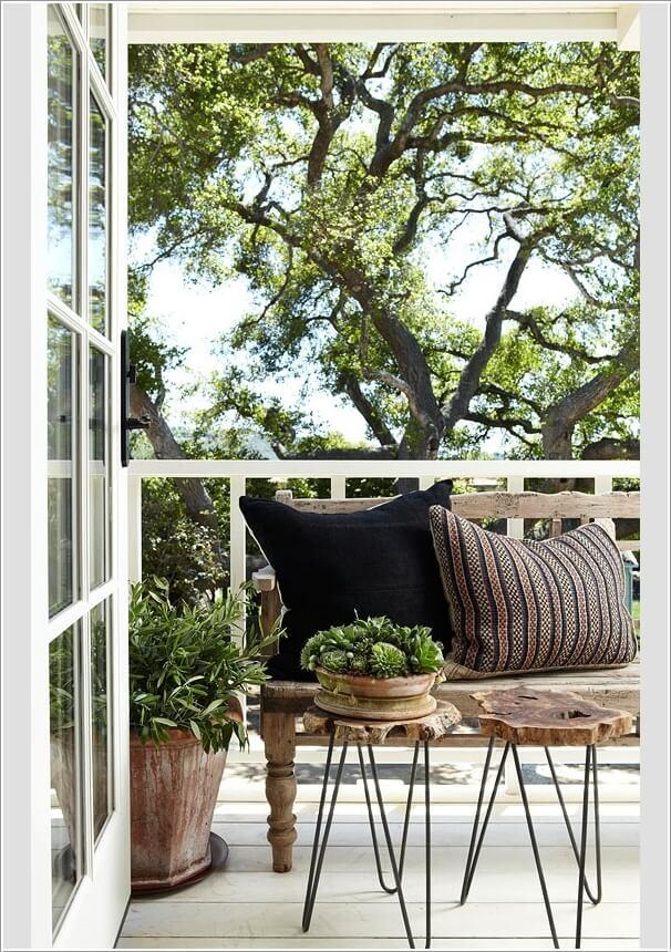 маса от дърво и железни крака за терасата