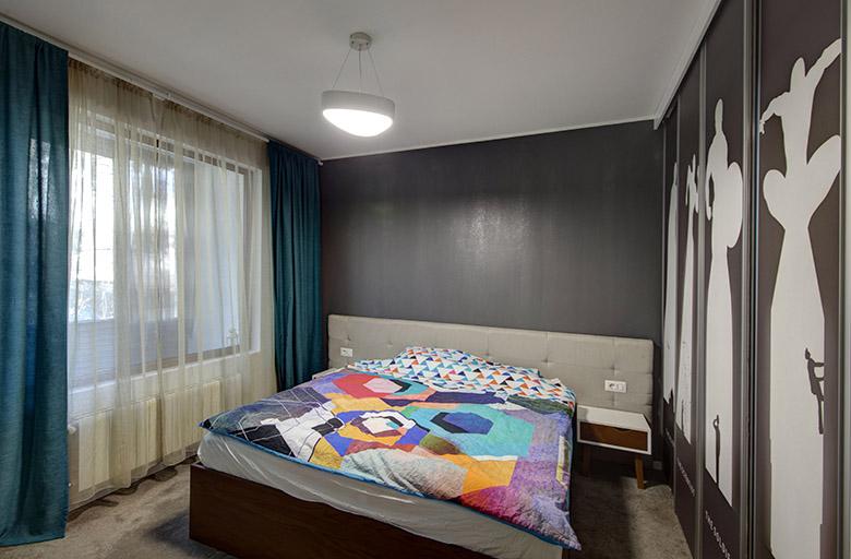 нов интериор за тристайно жилище в София_спалня_2