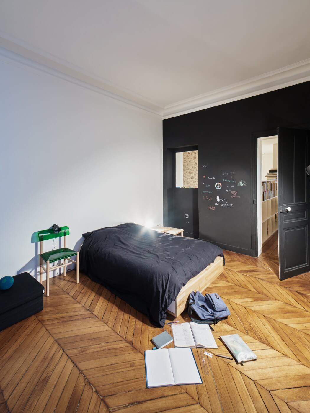 парижки апартамент с необичайни детайли_12