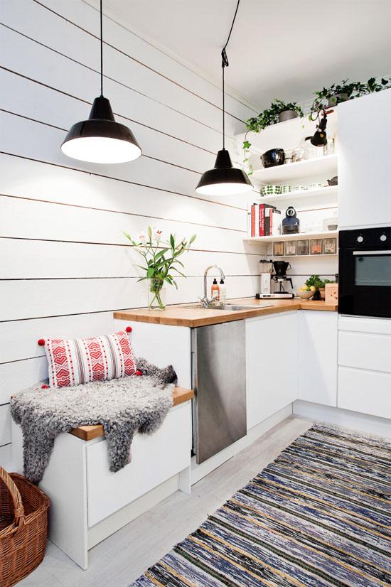 практични идеи за малка кухня - шкаф за сядане