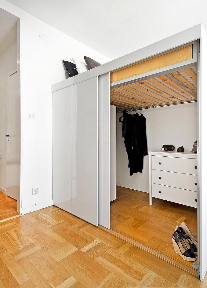 мини апартамент от 19 кв. м с легло над гардероба_4