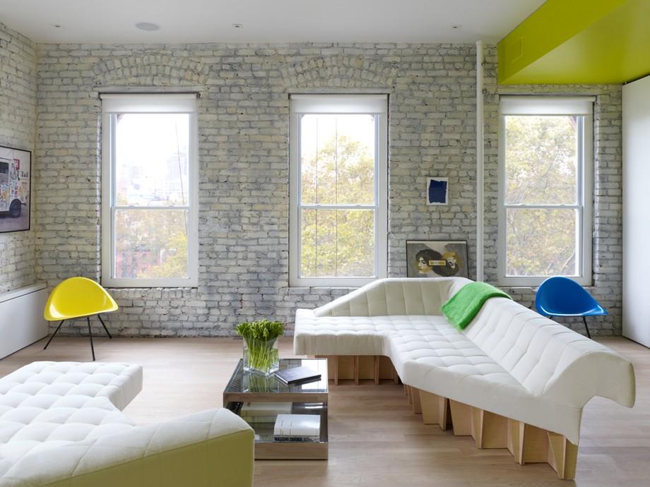 нестандартни мебели и светли цветове в старо жилище_1