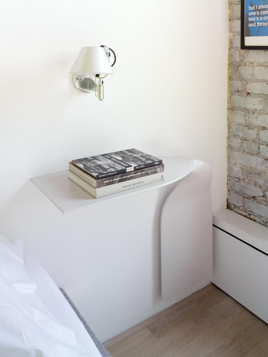 нестандартни мебели и светли цветове в старо жилище_10