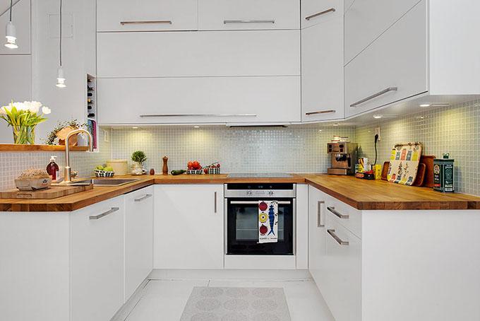 светъл мезонет в скандинавски стил_бяла кухня_2