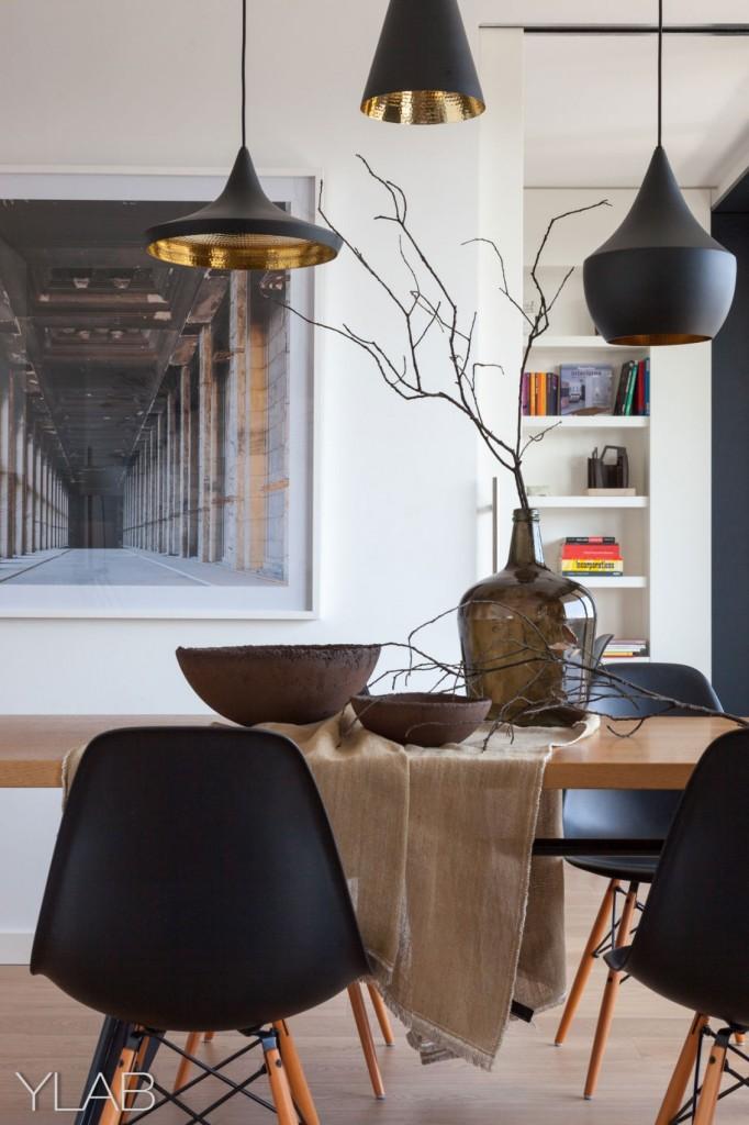 хол и кухня в едно_модерен дом Барселона_14