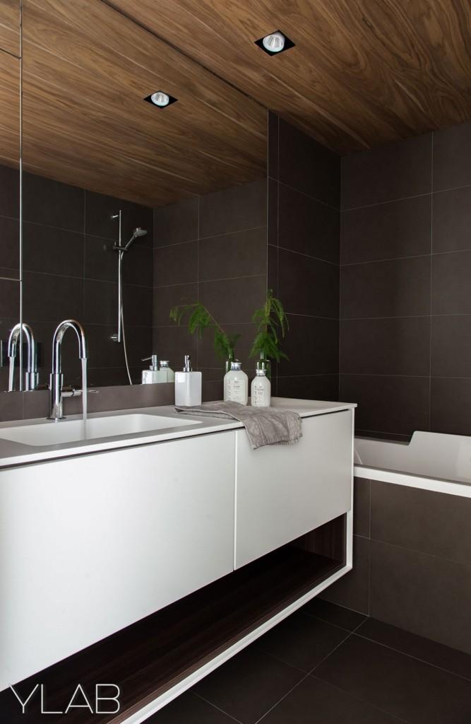 хол и кухня в едно_модерен дом Барселона_16