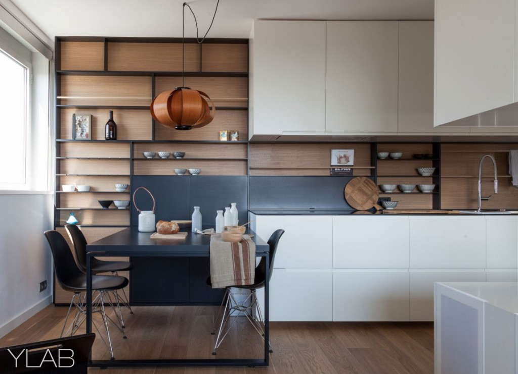 хол и кухня в едно_модерен дом Барселона_5