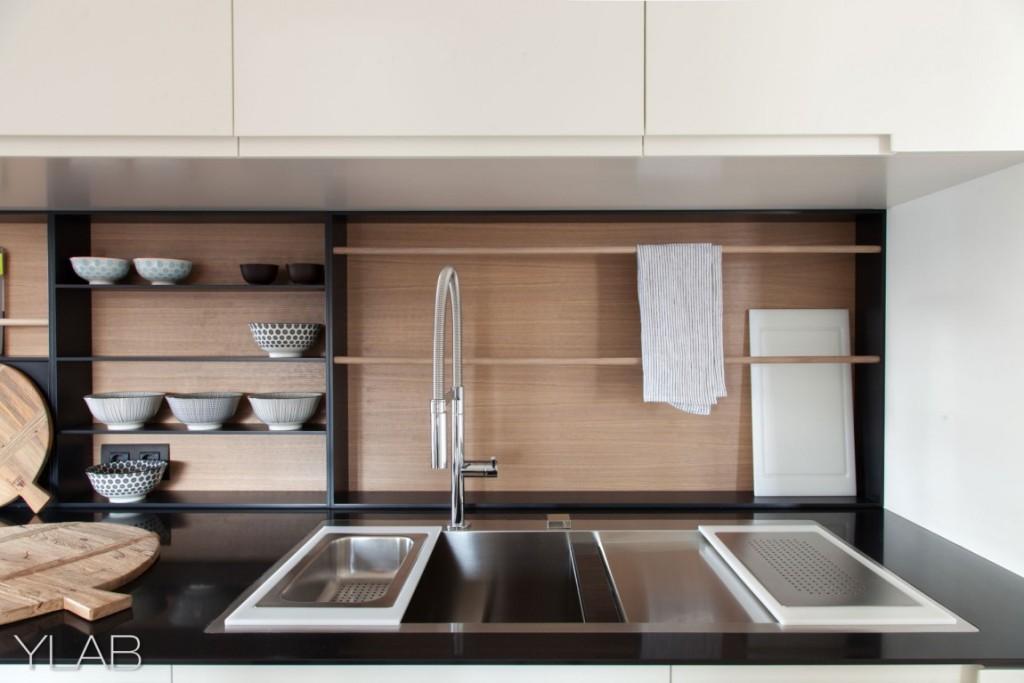 хол и кухня в едно_модерен дом Барселона_8