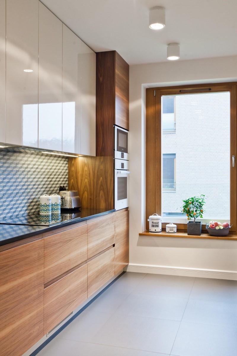 Стилен цветен интериор на апартамент_11