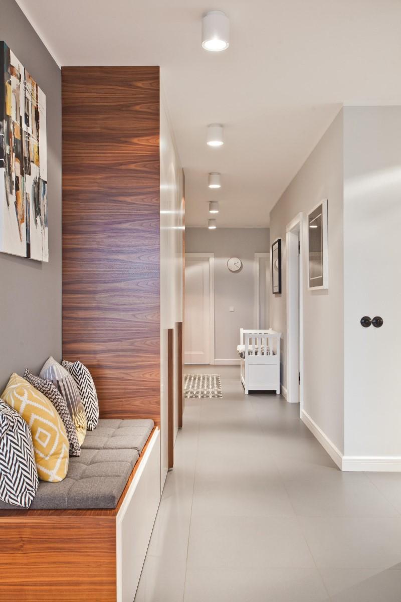 Стилен цветен интериор на апартамент_13