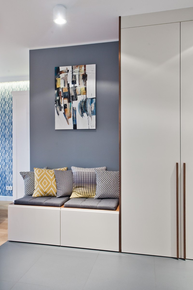 Стилен цветен интериор на апартамент_14