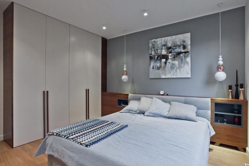 Стилен цветен интериор на апартамент_18