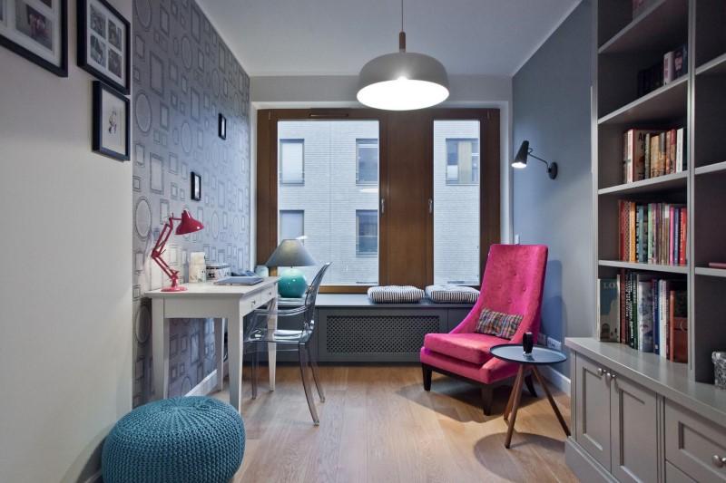 Стилен цветен интериор на апартамент_22