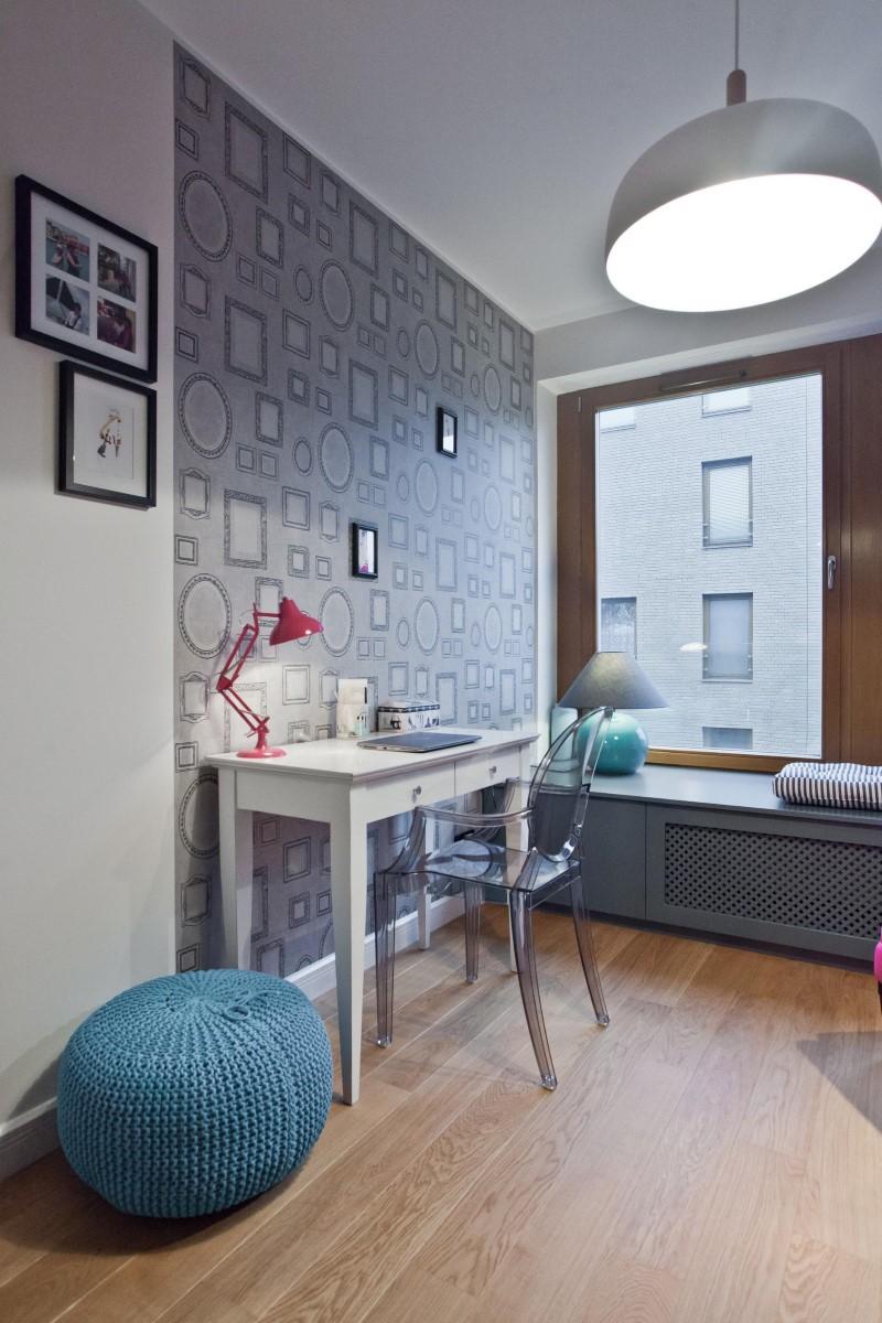 Стилен цветен интериор на апартамент_23