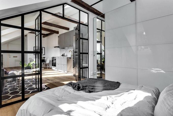Стъклена преграда малък апартамент_9