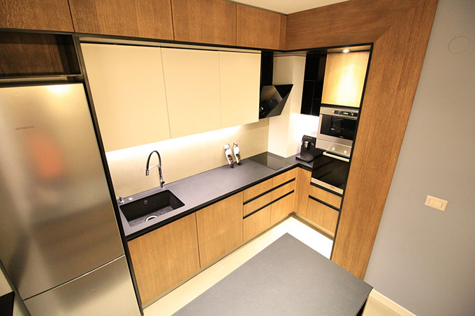 апартамент с изчистен интериор София_кухня 1