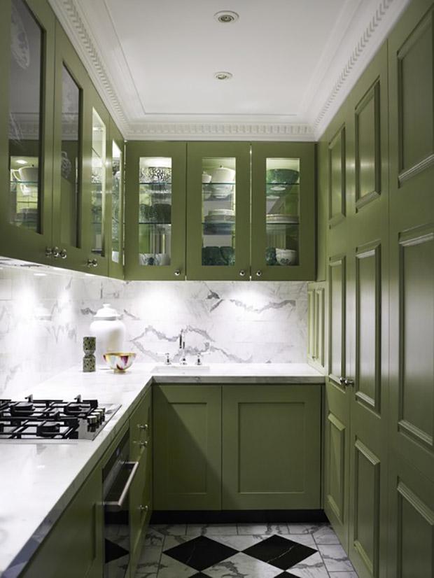 кухненски шкафове със стъклени врати