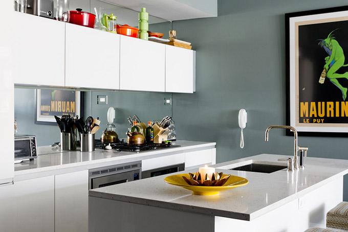 кухня с огледален гръб