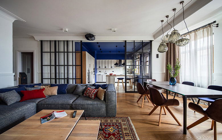 цветен класически интериор на апартамент_1