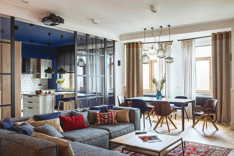 цветен класически интериор на апартамент_2