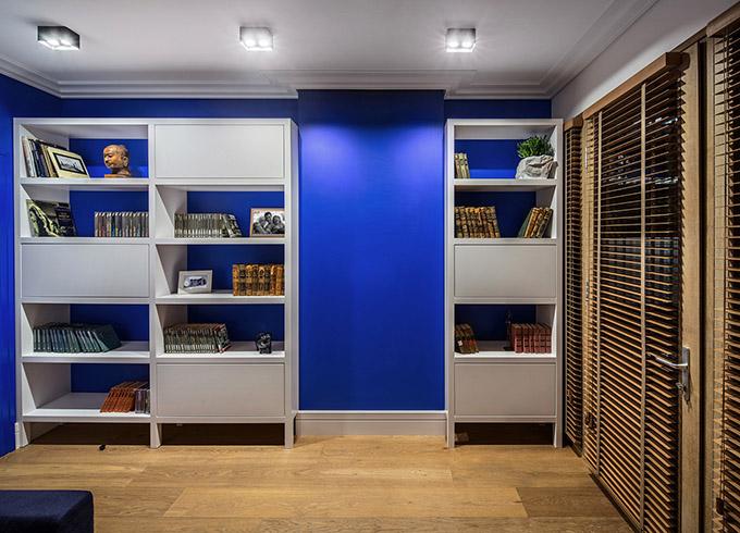 цветен класически интериор на апартамент_20