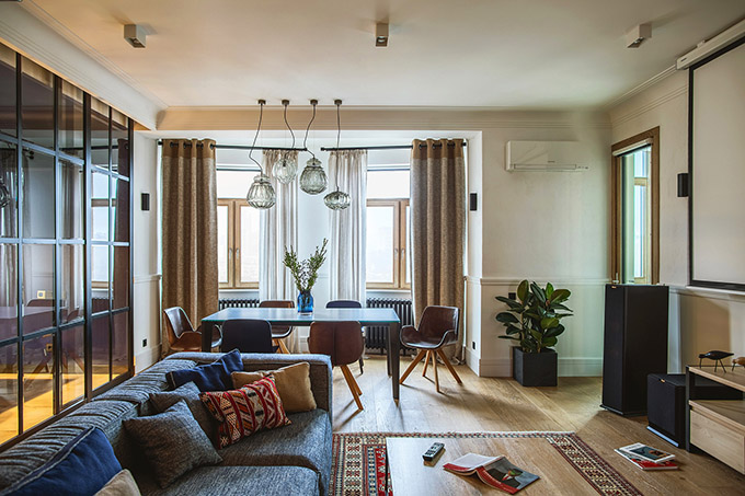 цветен класически интериор на апартамент_3