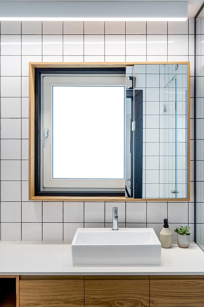 малък апартамент за живеене и работа 53 кв. м_баня 1