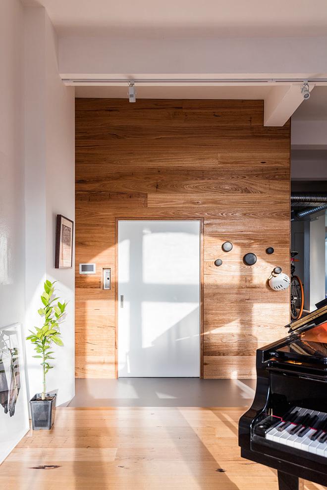 светъл апартамент в бивша фабрика_7