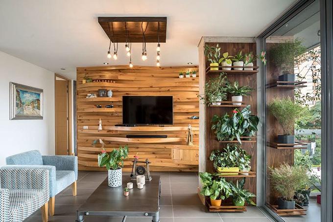 идея дървена стена с рафтове_3