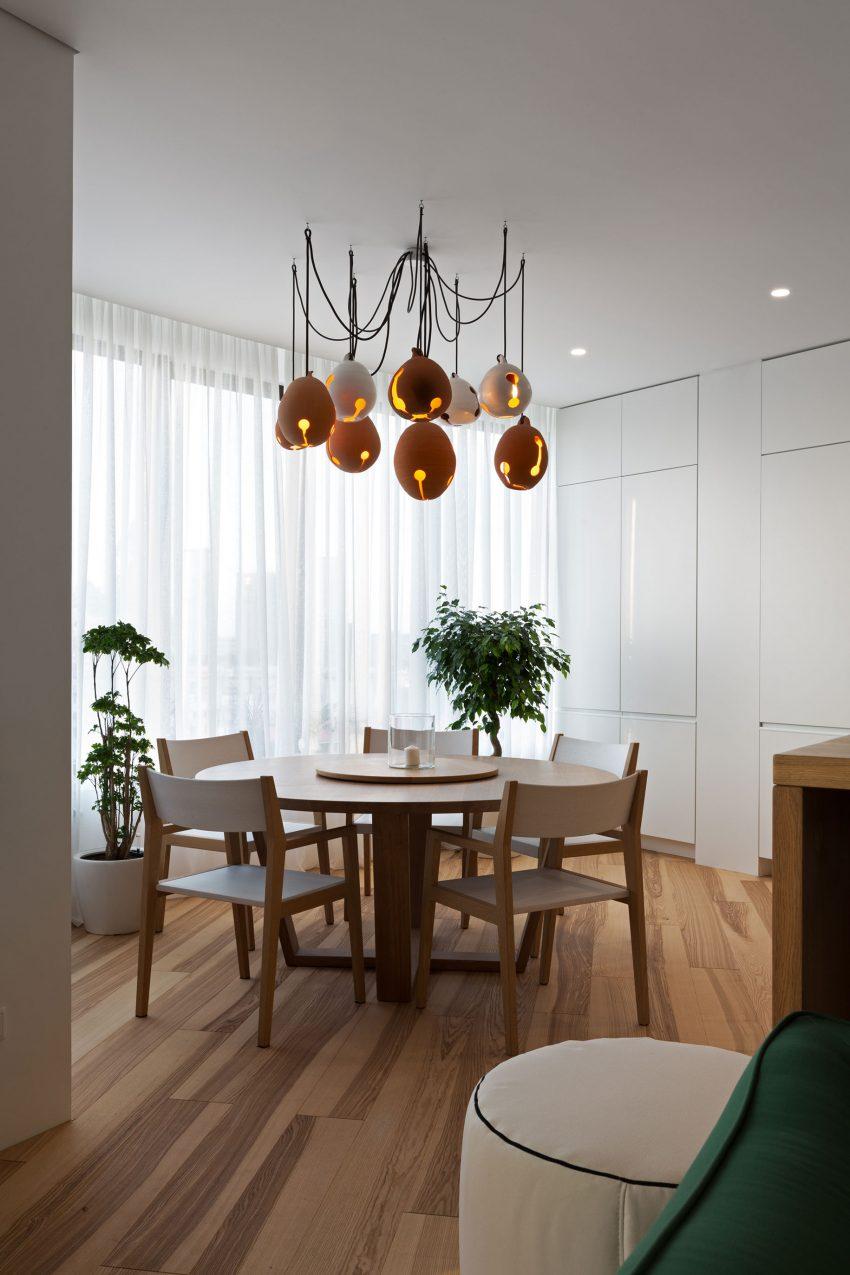 минималистичен апартамент силни контрасти зелено_8