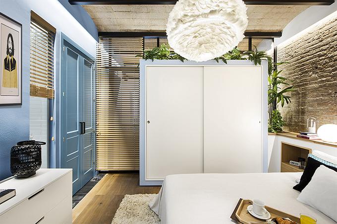 40 кв. м малък цветен апартамент в Барселона_14