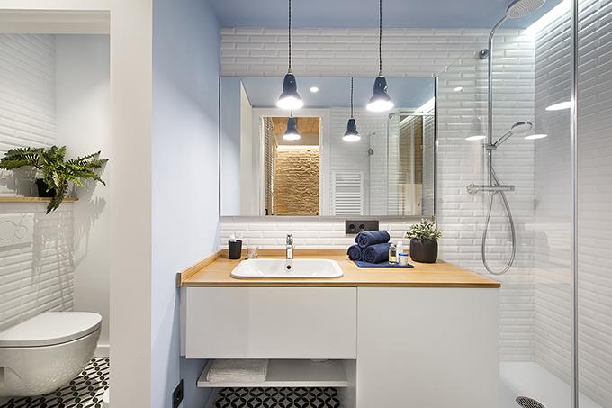 40 кв. м малък цветен апартамент в Барселона_19